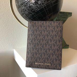 MK Bedford Travel Passport Wallet